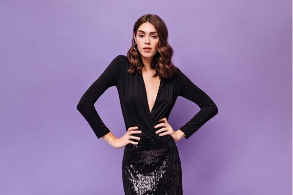 Маленька чорна сукня: річ, яка потрібна в будь-якому жіночому гардеробі