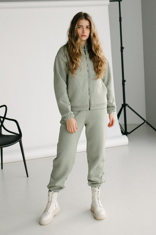 Красивий жіночий костюм 164-01 світлий хакі