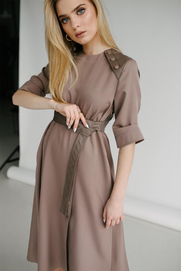 Красивое платье 165-02 латте