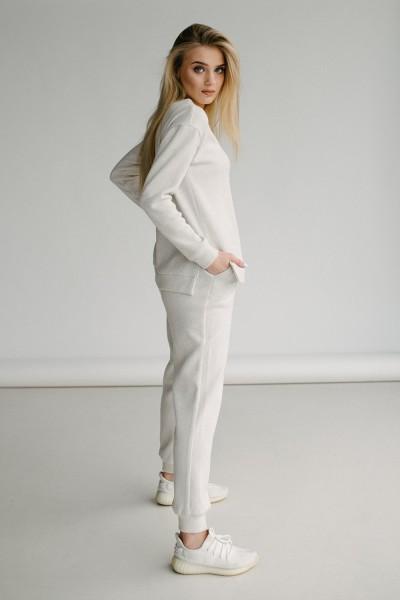 Красивый женский костюм 170-01 молочный