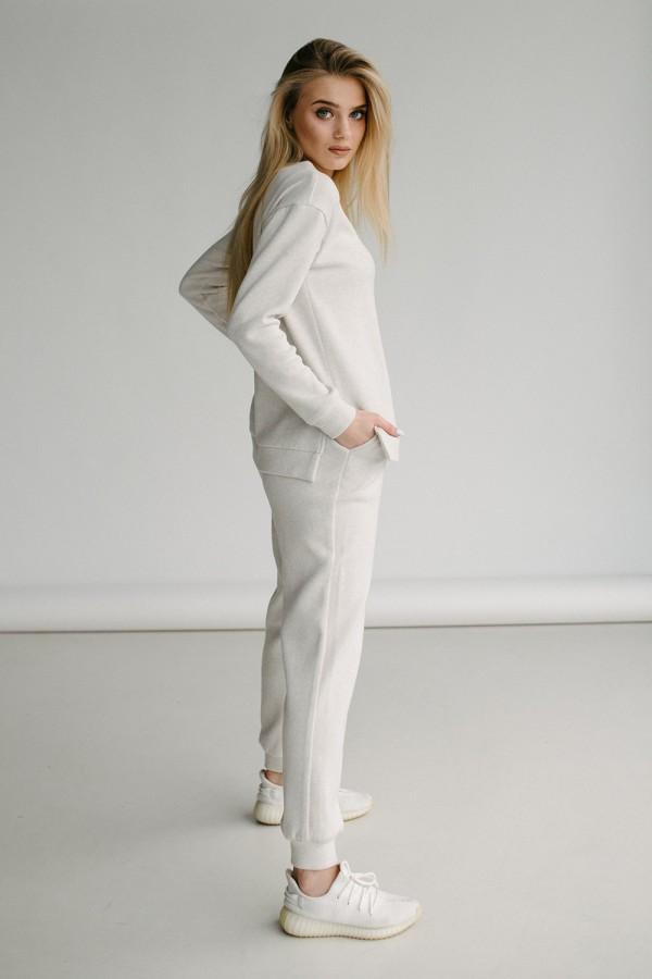 Красивий жіночий костюм 170-01 молочный